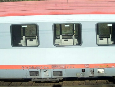 Example of successfully recognized passenger wagon UIC number (DB)